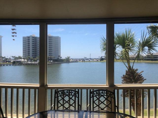 8 STEWART LAKE COVE UNIT 293 MIRAMAR BEACH FL