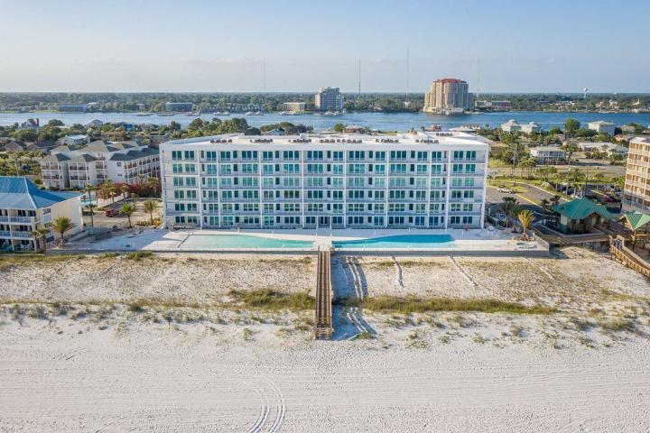 858 SCALLOP COURT UNIT 400 FORT WALTON BEACH FL
